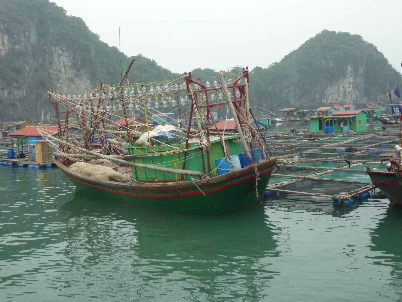 Ha Long Bay: vier dagen weg van de grotestad