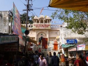 Toegang tot de Brahma Tempel.
