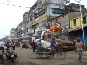 Het leven is zwaar in de arbeiderswijk van Kolkata.